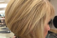 5-blonde-bob-hairstyle-for-older-women