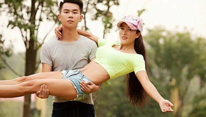 Лю Елин из Китая с сыном